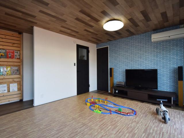 壁にはあらかじめ下地を仕込み、将来簡単に間仕切り壁を設けられる設計。